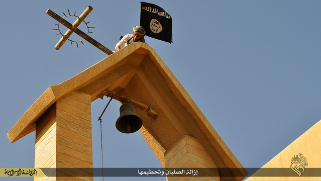 Islamic State (ISIS) Vandalizes Churches In Iraq, Removing Crosses Atop Them, Destroying Statues And Icons